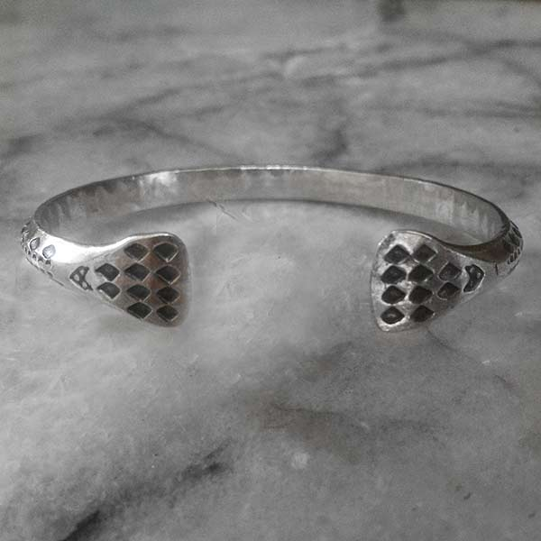 Hilltribe Adjustable Silver Bangle  - sbangle108_3