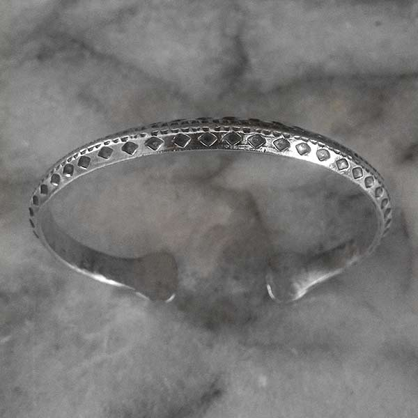 Hilltribe Adjustable Silver Bangle  - sbangle108_1