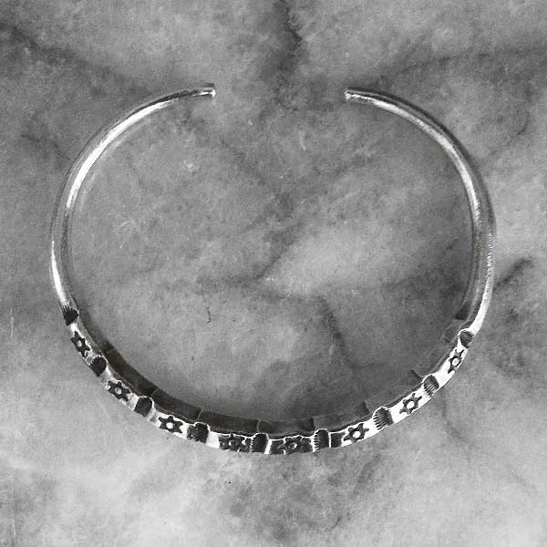 Hilltribe Adjustable Silver Bangle  - sbangle363_3